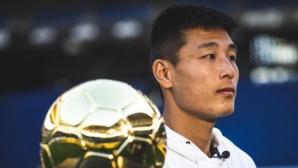 """Китайската """"Златна топка"""" е за Ву Лей"""