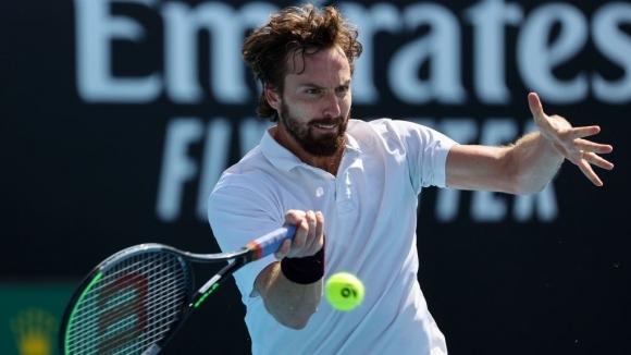 Гулбис поднесе изненада на Australian Open, Вавринка спечели мач №200 от Шлема