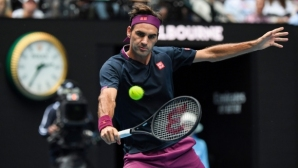 Роджър Федерер с експресна победа на старта и рекорд