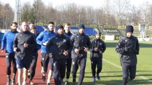 Монтана заминава с 22 футболисти за Турция