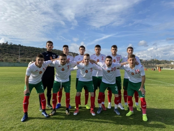 Приятелският мач между юношите до 19 години на България и Узбекистан беше прекратен