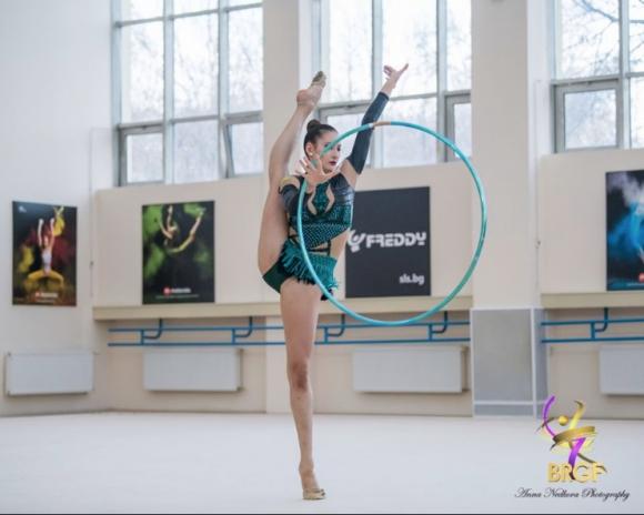 Силно представяне на българските гимнастички в първия ден на Гран При в Москва