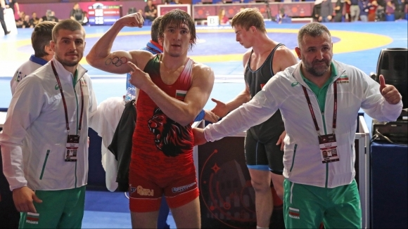 Страхотна битка и полуфинал за Даниел Александров на Европейското