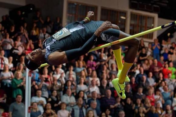 Заяс и Уилсън изравниха постижение №1 за 2020 г. в скока на височина, Магучих с нова победа