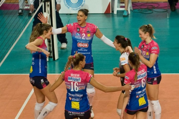 Елица Василева отбеляза 17 точки при победата на Новара над Скандичи