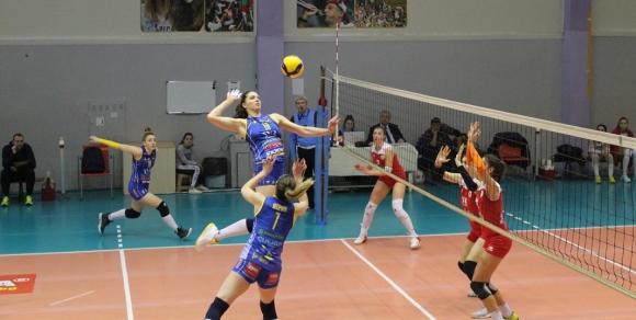 Марица мина лесно и през ЦСКА за 14-а си победа