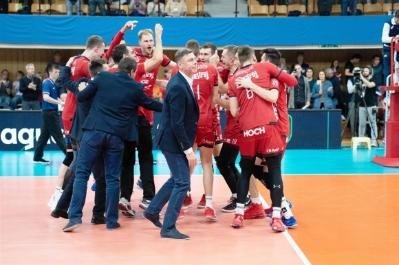 Мечкаров и Ижхострой с втора победа в ШЛ (снимки)