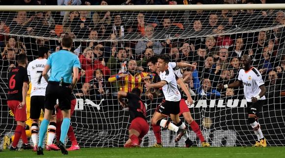 """Валенсия и Атлетико Мадрид не се победиха в зрелище на """"Местайя"""""""