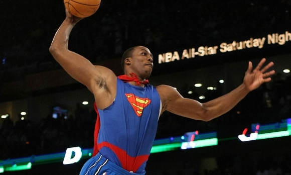 Супермен и космическите забивки в НБА (видео)