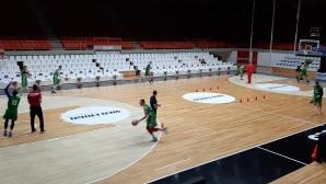 Бост тренира в Патра, отборът ни гони първа победа над Гърция от 45 години