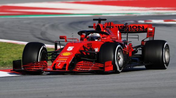 Ферари най-бързи в предпоследния ден, грижи за Мерцедес