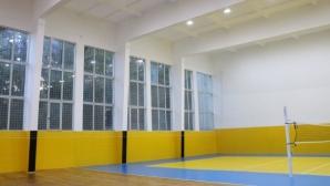 """Намерено е временно решение за отопление на волейболната зала в СК """"Дружба"""" в Перник"""