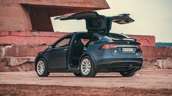 Тест на Telsa Model X (Видео)