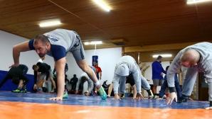 Новачков се отказа да преследва олимпийска квота, Дубов ще стартира на 65 кг