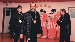Еспирито Санто: Хора умират, а ние играем футбол - абсурдно е
