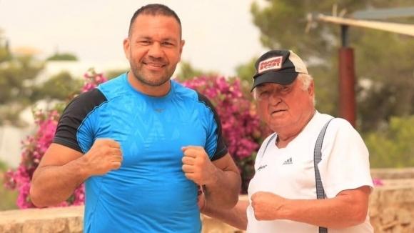 Ули Вегнер продължава да помага за подготовката на Кубрат Пулев  от болничната си стая
