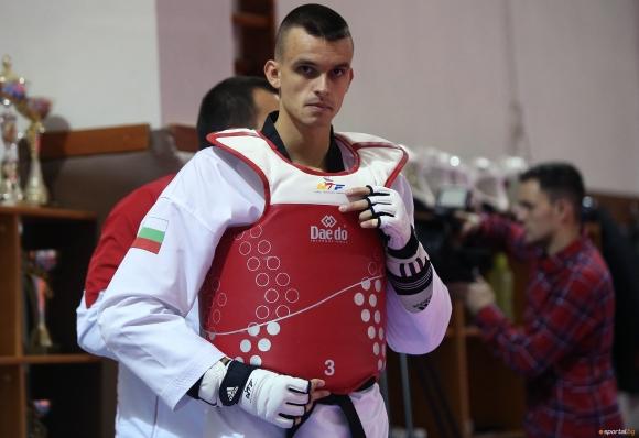 И Владимир Далаклиев подкрепи българските медици