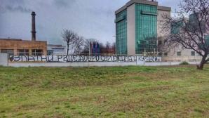 Фенове на Локо (Пд) с жест към медиците