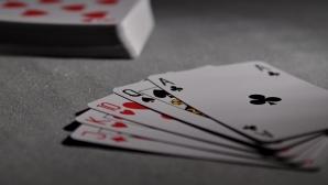 Твоето място на масата. Покер масата.