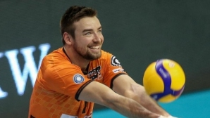 Волейболист на Берлин завърши кариерата си, за да стане полицай! Прощалният му мач ще бъде виртуален