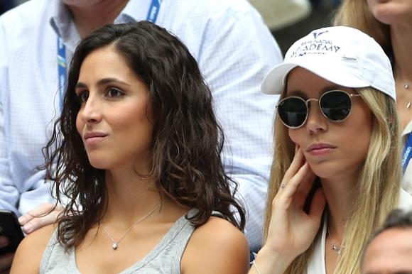 Надал играе тенис със сестра си, вижте как загуби...