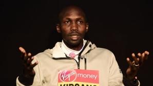 Арестуваха бившия световен рекордьор в маратона, защото пиел в бар по време на пандемията