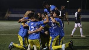 Футболът в Никарагуа не спира, но играчите се страхуват да влизат в единоборства
