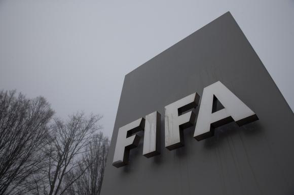 ФИФА одобрява промени относно договорите на играчи