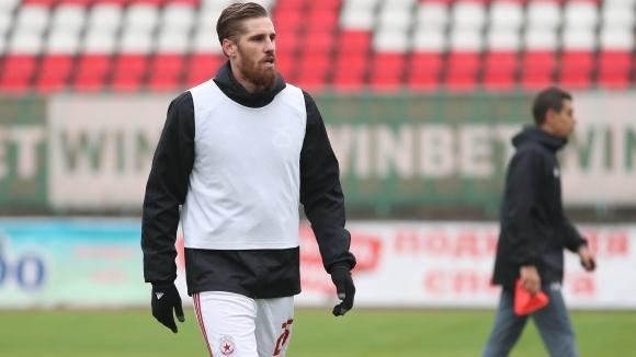 Защитник на ЦСКА-София продължава с тежките тренировки