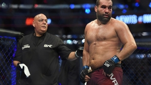 Багата остана без опонент за UFC 250