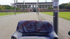 Фенове в Кьолн протестираха срещу подновяването на Бундеслигата без фенове