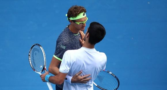 Тенис ветеран подкрепи Джокович по темата за...