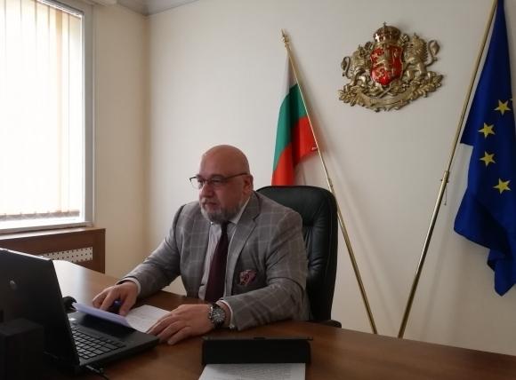 Министър Кралев със съболезнователен адрес до...