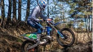 Теодор Кабакчиев: За тренировка скочих от втория етаж на къщата с мотора
