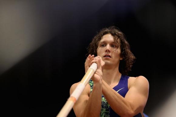 Наказаха американски атлет за… шоколадово барче