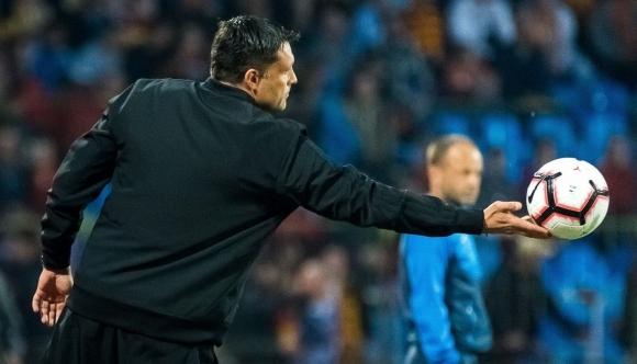 Отборът на Георги Костадинов преподписа с треньора и...