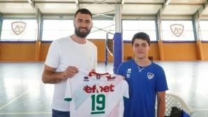 Цветан Соколов облече екип на Левски и каза: Слушайте треньорите