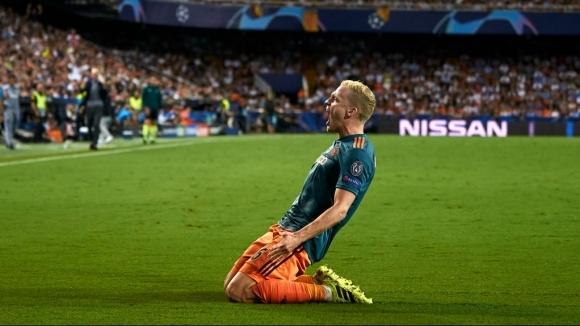 Ван дер Сар потвърди за интереса на Ман Юнайтед към...