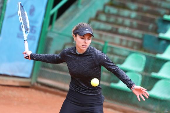 Томова отнесе 15-годишна сръбкиня в Белград