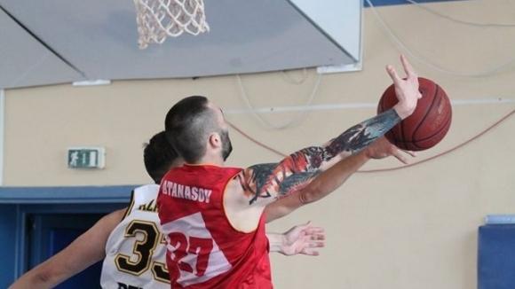 Теодор Атанасов засили ФитСпо Баскет към десета...