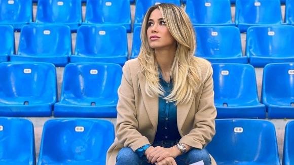 Доза сексапил на празните стадиони в Италия (снимки)