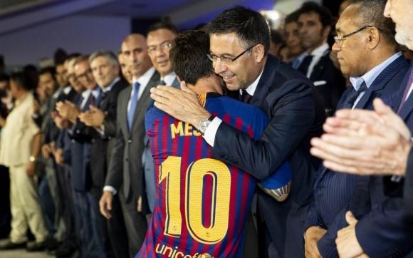 Меси ще завърши кариерата си в Барселона, увери...