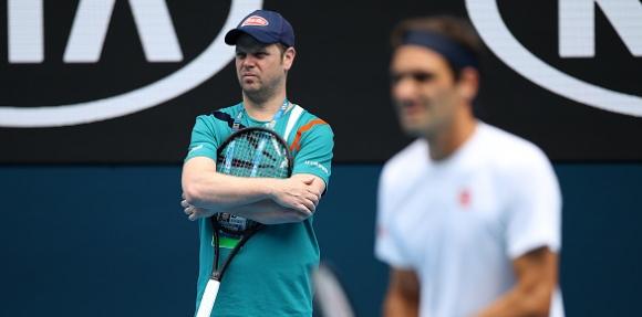 Рехабилитацията на Федерер върви по план