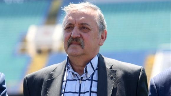 Призив към футболистите от Тодор Кантарджиев