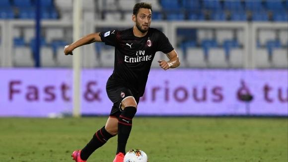 Чалханоглу: Обичам Милан, но трябва да взема важно решение