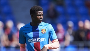 Клуб от Премиър лийг преговаря с Барселона
