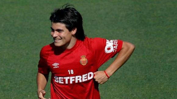 Най-младият играч в Ла Лига не иска сравнения с Меси