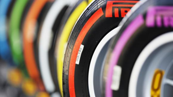 Пирели не спират с разработката на новите гуми,...