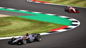 Нова руска победа във Формула 2