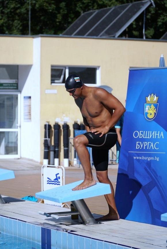 Цанко Цанков с 6-часово плуване без прекъсване